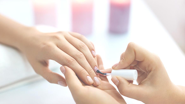 Naturalnie piękne paznokcie – Manicure Japoński